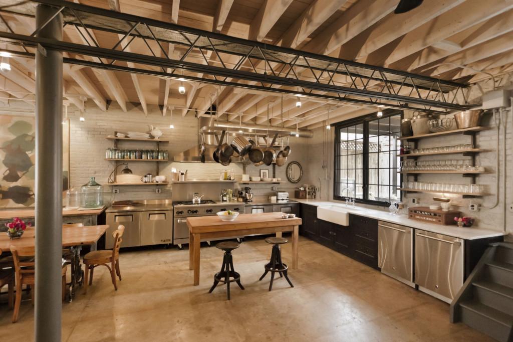 1130 main kitchen-w2000-h2000