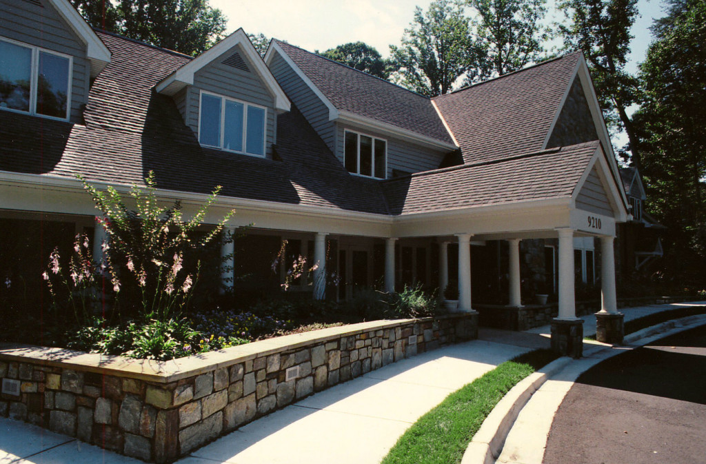 Byron front entry-w2000-h2000