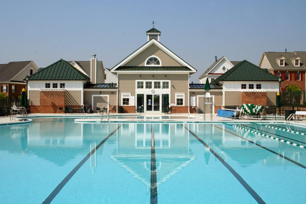 0211 KF Pool poolside
